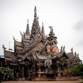 Храм Истины (Правды) в Тайланде